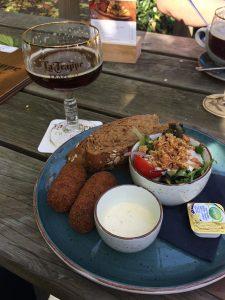roteiro-de-viagem-cervejeira-belgica_la-trappe-bar